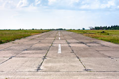 老机场的跑道 库存照片