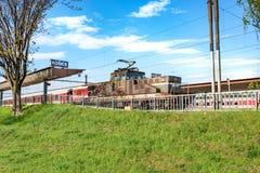 老机车停放的主要火车站在科希策斯洛伐克 免版税库存照片