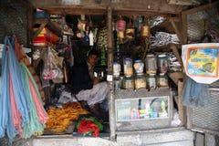 老杂货店在一个农村地方在Bosonti,西孟加拉邦,印度 免版税库存图片