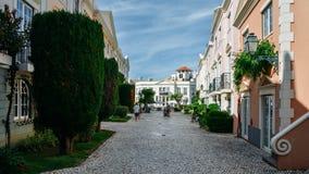 老村庄在阿尔加威,葡萄牙是在18世纪葡萄牙语建立的280物产的一汇集和英语 库存照片
