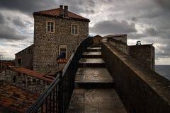 老杜布罗夫尼克的城市墙壁 城市的面孔 克罗地亚 免版税图库摄影