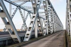 老桁架桥在荷兰 免版税库存照片
