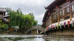 老桥梁在丽江 免版税库存照片