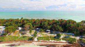 老桥梁在巴伊亚本田国家公园,佛罗里达鸟瞰图  免版税图库摄影