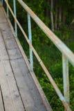 老桥梁由木板条做成 库存照片