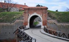 老桥梁从18世纪,彼得罗瓦拉丁堡垒,诺维萨德,塞尔维亚 库存照片