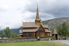 老梯级教会在Lom,挪威 库存图片