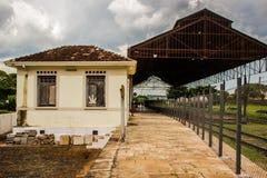 老棚子,从火车站 免版税库存图片