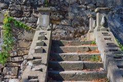 老楼梯在塞瓦斯托波尔 克里米亚 免版税库存图片