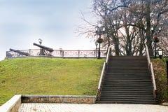 老楼梯 秋天公园 秋天五颜六色的叶子公园 免版税图库摄影
