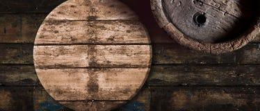 老橡木啤酒或葡萄酒桶背景 图库摄影