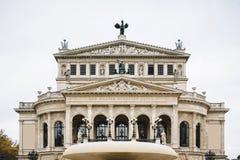 老歌剧院(Alte操作)在法兰克福,德国。 免版税库存图片