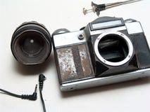 老残破的照相机 免版税库存图片