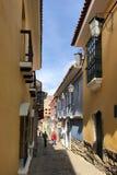 老殖民地街道在拉巴斯,玻利维亚 库存照片