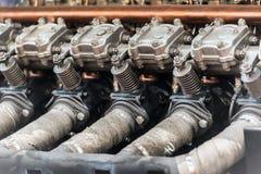 老汽车内燃机 库存图片