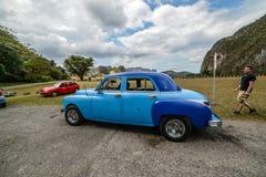老汽车古巴人 图库摄影
