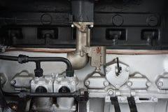 老汽车汽油引擎 库存照片
