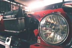 老汽车,葡萄酒样式车灯  免版税库存照片