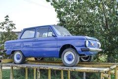 老汽车Zaporozhets 被恢复的葡萄酒汽车 SOV的遗产 库存照片