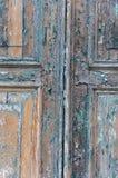 老油漆从在威尼斯式门的不同的世纪分层堆积 图库摄影