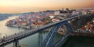 老波尔图,葡萄牙全景日落的 库存照片