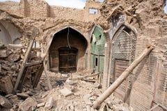 老波斯义卖市场的被毁坏的房子和商店在伊斯法罕 免版税库存照片