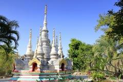 老泰国样式stupa,多孔黏土rgb 免版税库存图片