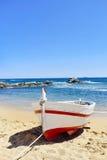 老渔船在卡莱利亚de帕拉弗鲁赫尔,西班牙 库存图片