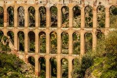 老渡槽在内尔哈,太阳海岸,西班牙 免版税库存图片