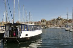 老渡轮在马赛港口法国 法国6月15日2006年马赛 库存照片