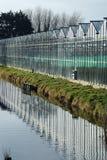 老温室的反射一个小垄沟的 图库摄影