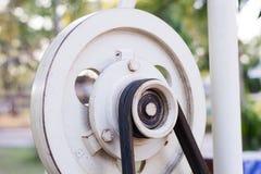 老滑轮和皮带传动 免版税图库摄影