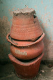 老火炉和赤土陶器罐 免版税库存照片