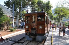 老火车在马略卡,西班牙。 库存照片