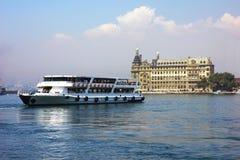 老火车站看法在伊斯坦布尔 免版税库存照片