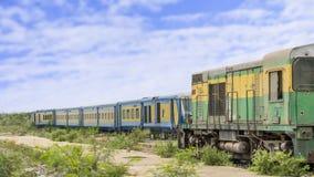 老火车,达喀尔,塞内加尔的被放弃的火车站 免版税图库摄影