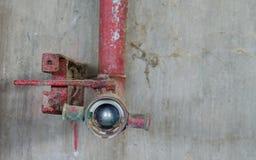 老灭火水龙带管 库存照片