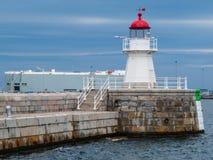 老灯塔在微明下,马尔摩,瑞典 免版税库存照片