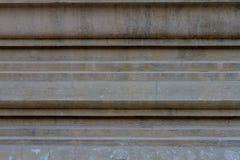 老灰泥工作形状线在寺庙墙壁背景的在Thail 库存图片