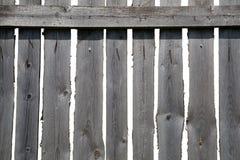 老灰色木篱芭 免版税库存照片