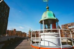 老烽火台或小灯塔在汉堡Hafencity 库存图片