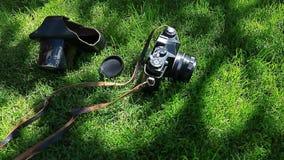 老照相机绿草树阴影背景没人hd英尺长度 股票录像