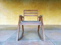 老牌木摇椅 库存图片