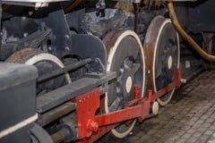 老牌蒸汽火车零件的片段 库存照片
