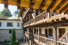 老特罗扬修道院的石头木头建筑学,保加利亚 库存照片
