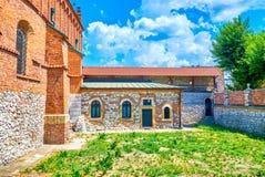 老犹太教堂的庭院在克拉科夫,波兰 库存照片