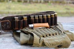 老狩猎弹药筒 免版税图库摄影