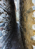 老狭窄的街道 免版税库存图片