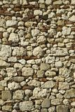 老瓦砾石头和砖墙建筑充分的框架构造背景 库存照片
