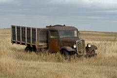 老生锈的五谷卡车 库存图片